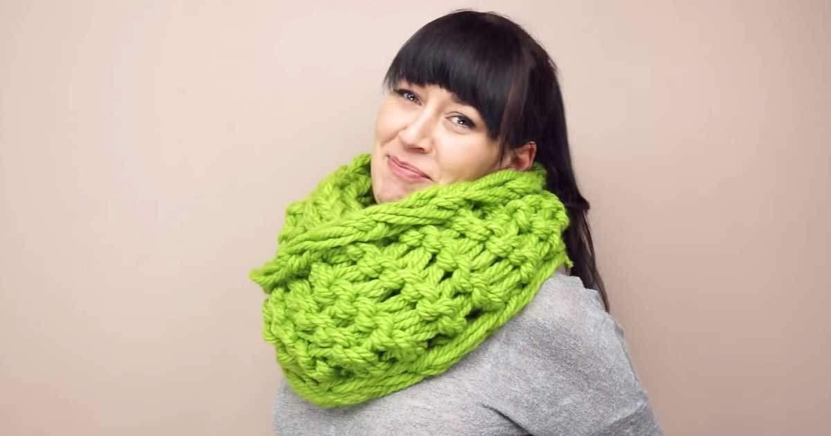 109b3744590 Video-návod na ručně pletenou šálu za 30 minut