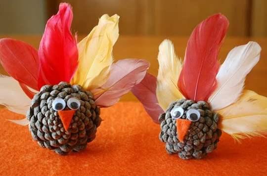 5-Thanksgiving-pine-cone