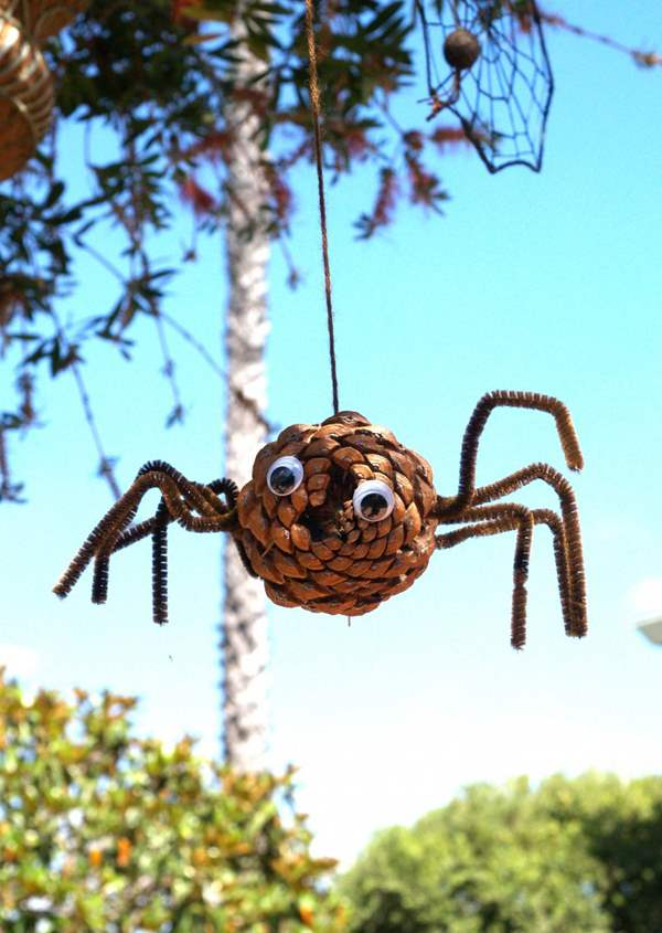 8-Pine-Cone-Spider-for-Halloween