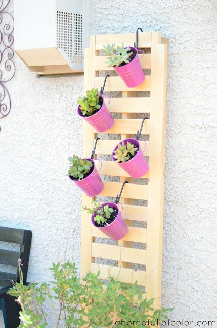 hanging-pots-trellis