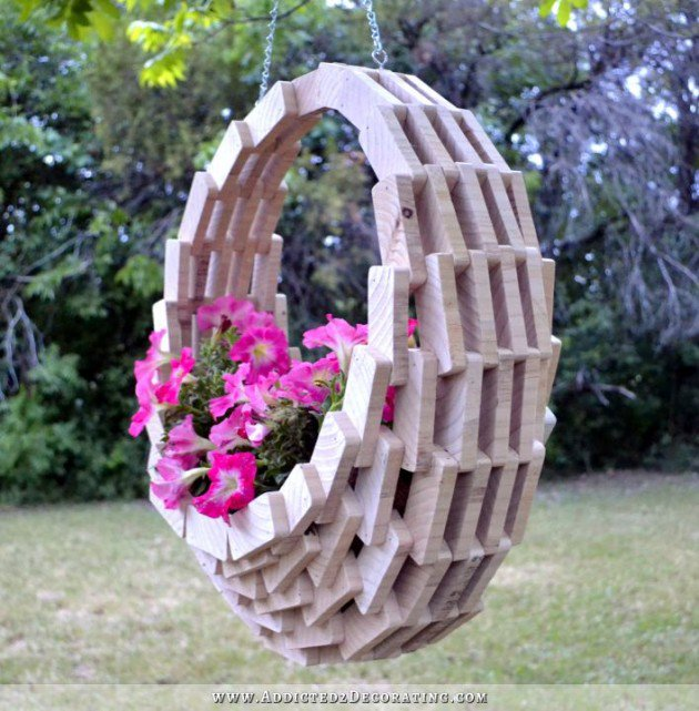 hanging-wooden-basket