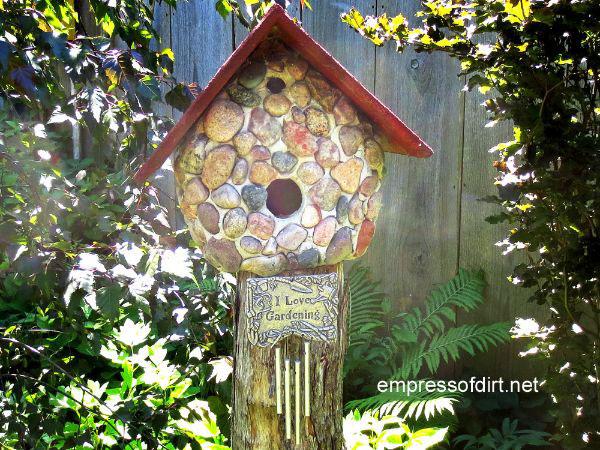 stone-birdhouse