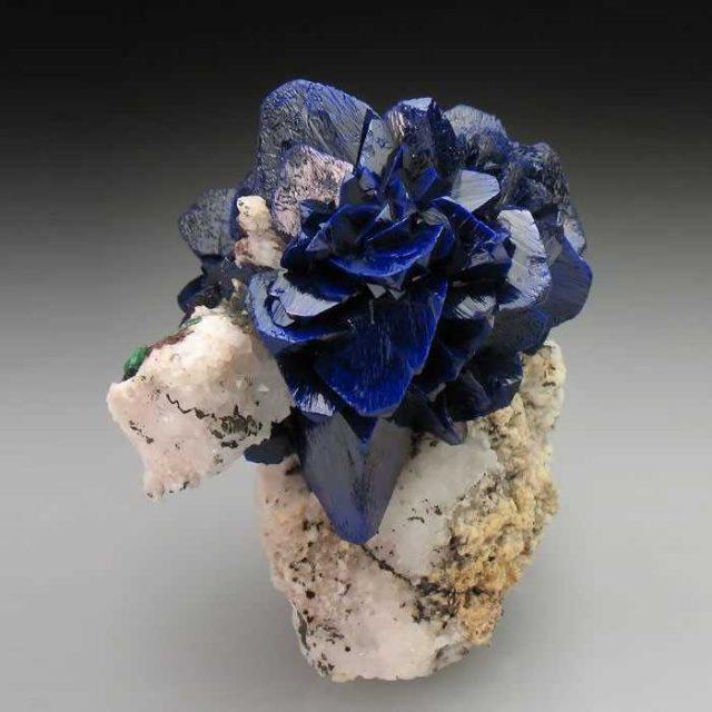 Amazing-StonesMinerals7__700
