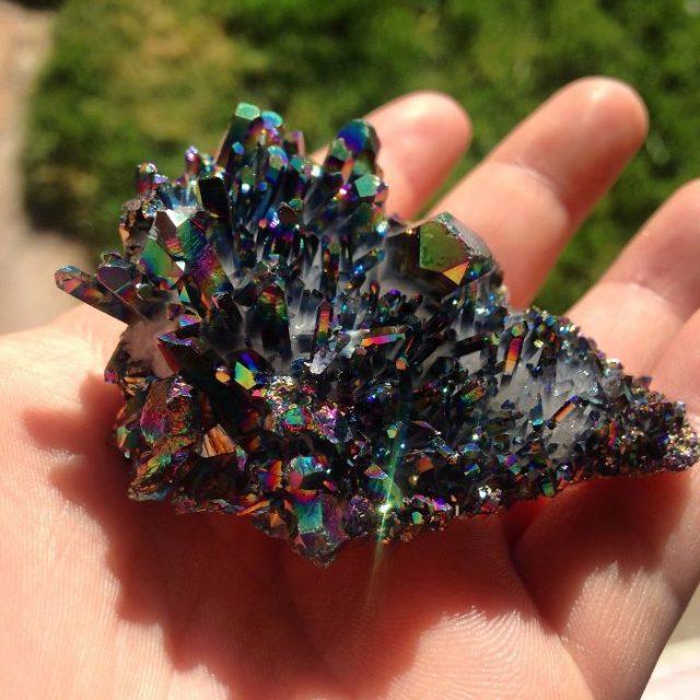 amazing-stones-minerals-22__700