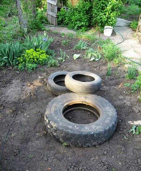 recycled-tires-pond01