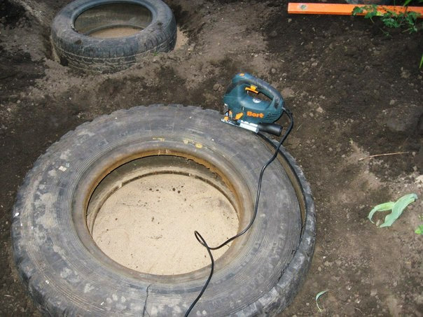 recycled-tires-pond03