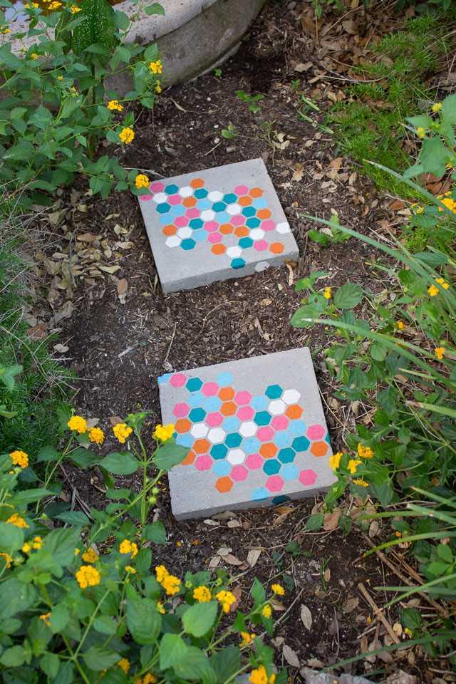 12 inspirací na zahradní cestičky a okrasné kameny_2
