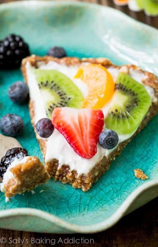 Healthy-Greek-Yogurt-Fruit-Tart
