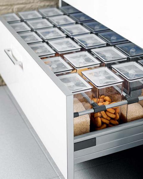 nápady na organizaci zásuvek v kuchyni (10)