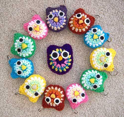Baby-Owls-Key-Rings-Free-Crochet-Pattern