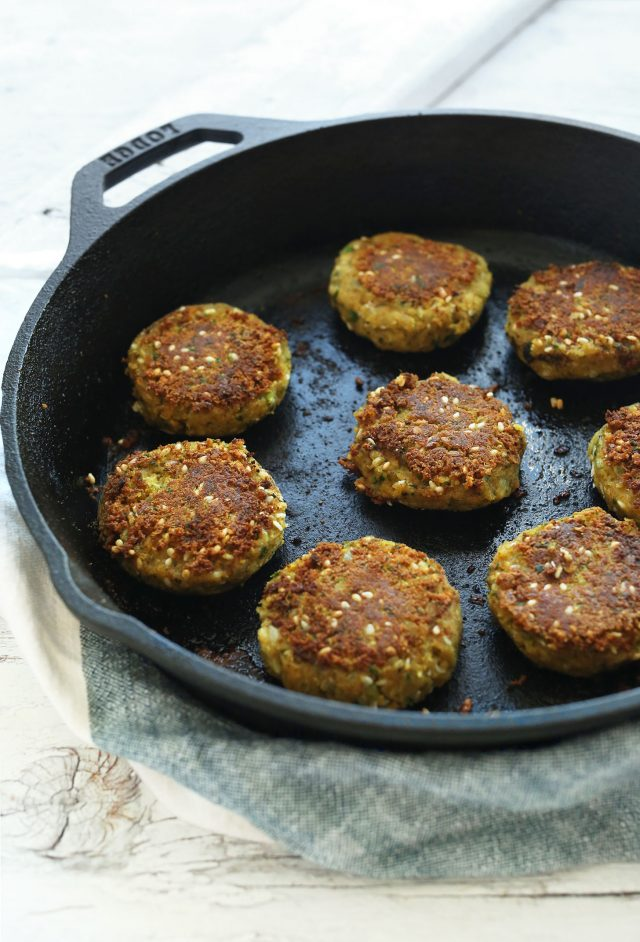 Easy-Vegan-FALAFEL-10-ingredients-no-frying-plus-a-3-ingredient-sauce-vegan-glutenfree-falafel-recipe-dinner-healthy-minimalistbaker