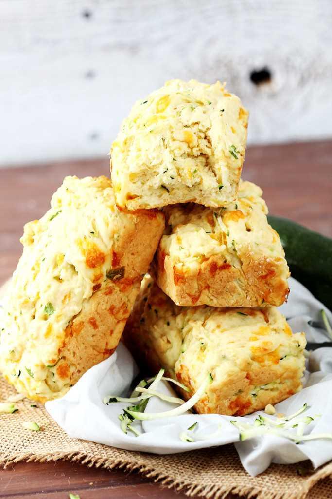 Cheesy-Garlic-Zucchini-Bread-2-683x1024