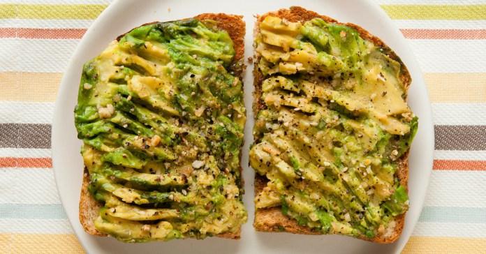 Recept-na-avokádový-toast