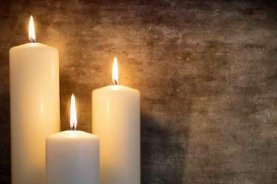 Jak si vyrobit krásnou domácí svíčku za pár korun