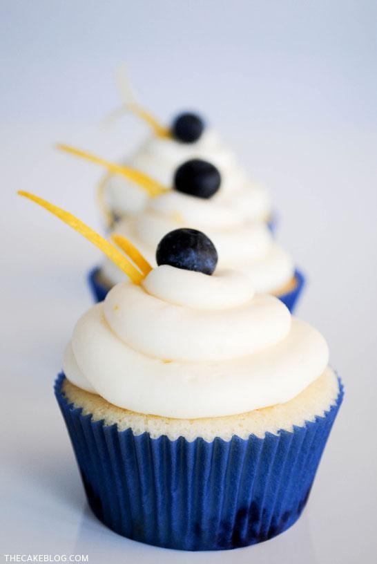 lemon_blueberry_cupcakes_2