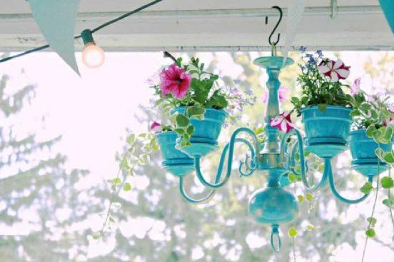 Jak si vyrobit originální květináč ze starého lustru