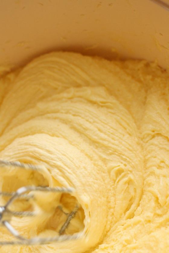 banana-cake-batter-in-mixing-bowl