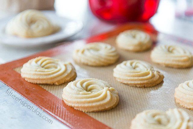 butter_swirl_cookies_fifteen_spatulas_-640x427