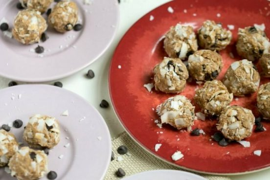 recept-na-nepecene-mandlove-kulicky-s-kokosem