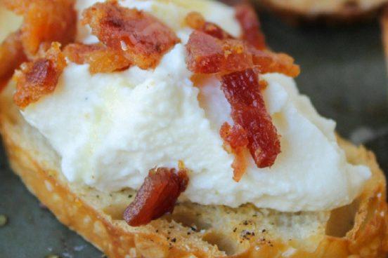 recept-na-krupave-bagetky-s-ricottou-a-slaninou