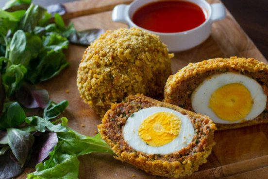recept-na-skotska-vejce-v-masovem-obalu