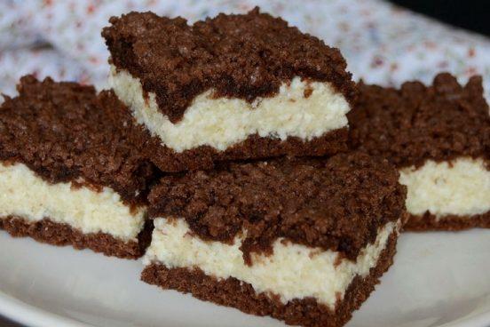 Recept na kakaové řezy s tvarohovou náplní a vanilkou